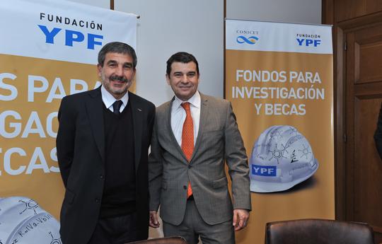 Doctor Roberto Salvarezza y Miguel Galuccio