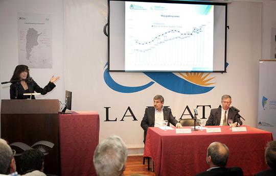 Salvarezza-acompañó-la-presentación-del-Plan-Nacional-de-Ciencia-Tecnología-e-Innovación-03