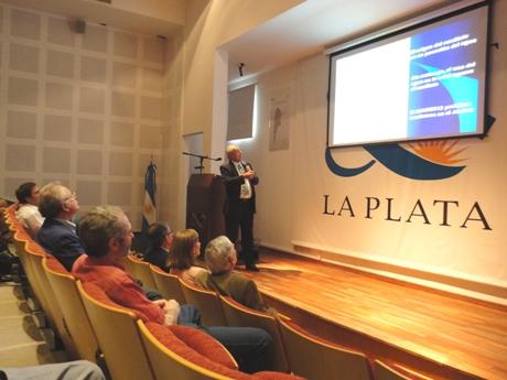 Raúl Lopardo disertó en La Plata