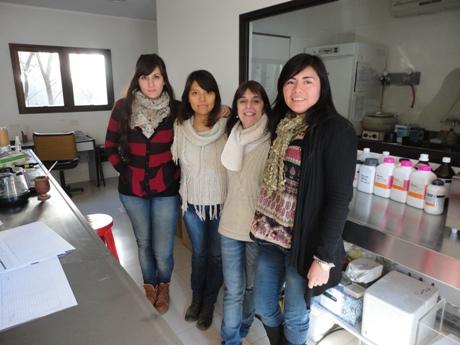 Alba Güerci y su equipo de trabajo