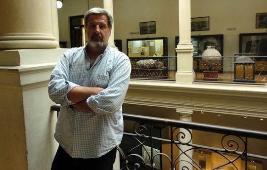 Gustavo-Politis