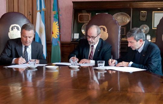 El-CONICET-firmó-el-convenio-de-conformación-del-Observatorio-Medioambiental