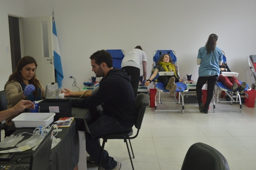 VI Jornada de Sangre del CONICET La Plata (3)