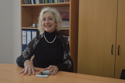 Gloria Chicote, directora del Instituto de Investigaciones en Humanidades y Ciencias Sociales - copia