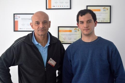Luis y Francisco Giambelluca antes de la presentación de la alarma. FOTO CONCIET Fotografía