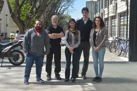 De izquierda a derecha Matías Pidre, Víctor Romanowski, Leticia Ferrelli, Tomás Masson y Laura Fabre
